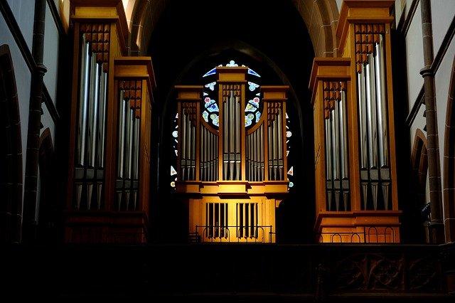 De voordelen van het gebruik van een mechanisch orgel of stomp- en bespeelpedaal